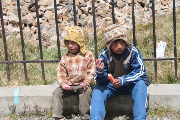 Niños en la comunidad de Huanco.